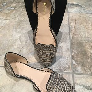Restricted Black and Tan flats size 9